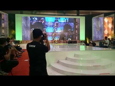 Tarian Dayak Kalimantan Di Telkom Craft Indonesia