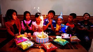 Kids Go To School | Chuns's birthday Friends to The Birthday Cake Shop Special Gift