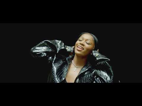 Boss B*tch (Official Music Video) - Dess Dio