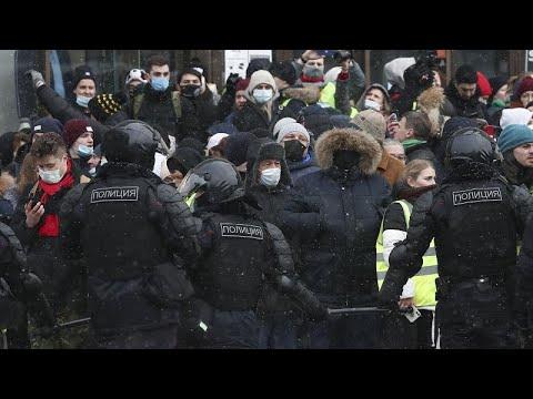 Ρωσία: Χιλιάδες συλλήψεις στις διαδηλώσεις για τον Ναβάλνι…