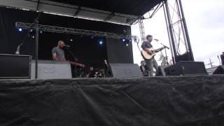 "Josh Kelley playing ""Two Cups of Coffee"" at BottleRock 2017"