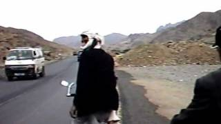 preview picture of video 'Homem Livre - Yemen - Road'