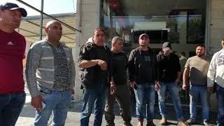 احتجاج أصحاب كراجات تصليح السيارات ومشاطب السيارات على مطالبة المباحث لهم بإغلاقها