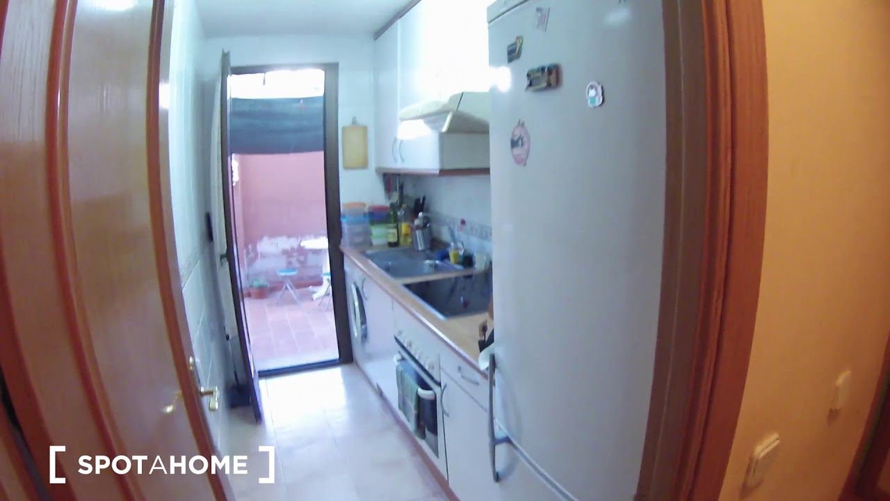 Double Bed in Rooms for rent in 2-bedroom apartment with terrace in Tetuan