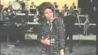 Miss Shirley Bassey - DIAMONDS ARE FOREVER