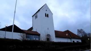 preview picture of video 'Nærum kirke solnedgang'
