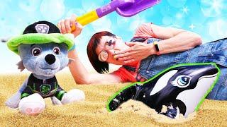 Щенячий патруль спасает косатку. Игры в песочнице с Машей Капуки. Видео для детей