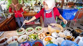 THAI OXTAIL SOUP!! 🐂 Amazing HALAL FOOD in Phang Nga, Thailand!! 🇹🇭 ซุปหางวัว พังงา