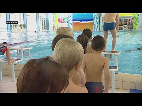 Ελβετία: Υποχρεωτικά για τις μικρές μουσουλμάνες τα μικτά κολυμβητήρια