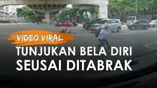 Viral Video Detik-detik Pria Tertabrak Mobil hingga Motor Hancur Justru Tunjukan Seni Bela Diri