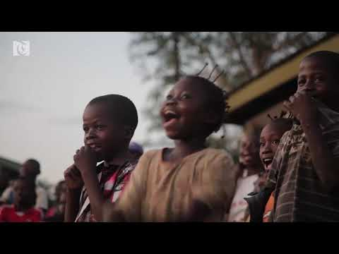Mobile cinema promotes 'peace' in the Central African Republic