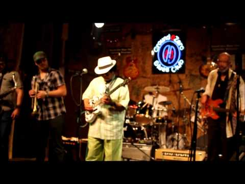 Morgan Freeman Mickey Rogers and Blessissippi - Little Red Rooster.wmv