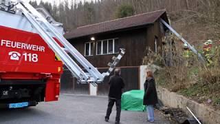 Feuerwehreinsatz für Schwalben und Segler