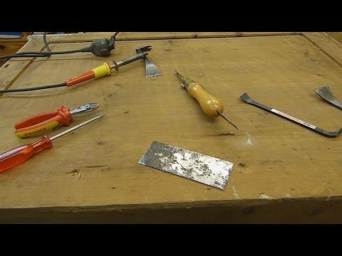 alte, festgerostete Nägel und Schrauben aus Holz lösen, remove rusted nails and screws