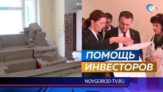 Андрей Никитин проконтролировал ход ремонтных работ в больнице и школе Пестова