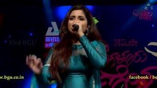 """""""Manwa Laage"""" song by Shreya Ghoshal @ 53rd Bengaluru Ganesh Utsava"""