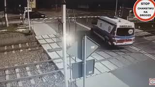 Wypadek Karetki W Puszczykowie ZWOLNIONE TEMPO !