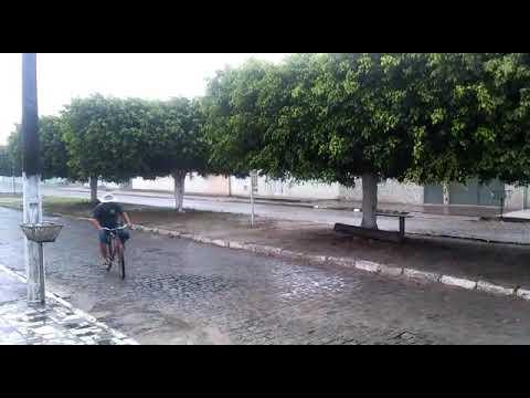 Chove em Acajutiba