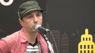 Zeca Baleiro - Bandeira - Livrarias Curitiba - Curitiba - Brazil - 31/7/2012