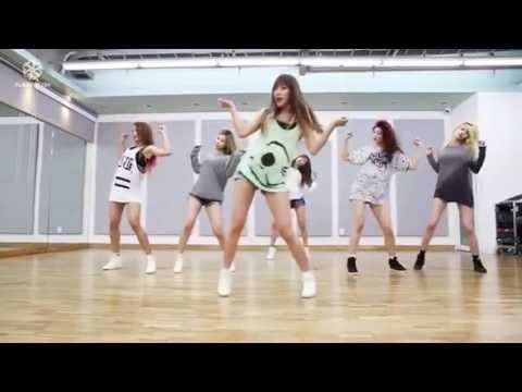 Корейки танцуют под zomb-topovaja-chika)))))