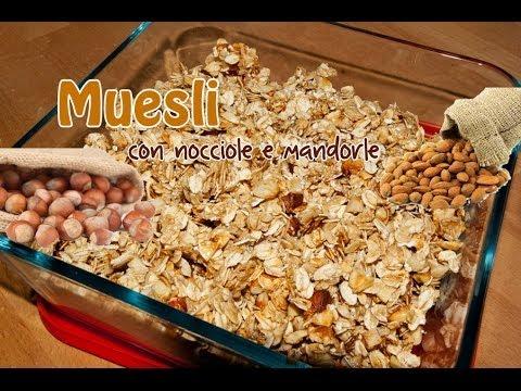 Muesli - Fiocchi d'Avena con Mandorle e Nocciole - La Ricetta di Violetta