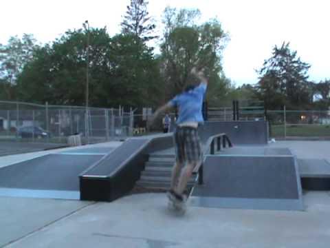2 tricks at Webster City skatepark