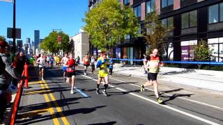 preview picture of video '2011 NYC Marathon - 44th  Drive, Long Island City'