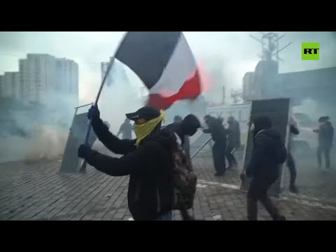 Paris turns into a battlefield as Yellow Vests mark 1 year anniversary