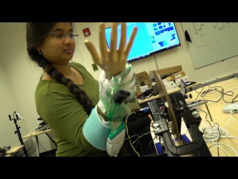 Sensor-filled glove could help doctors