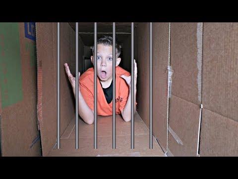 Box Fort Prison! Underground Maze Escape Room