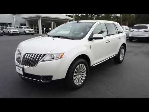 Pre-Owned 2011 Lincoln MKX FWD 4dr