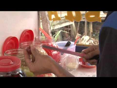 Video Tukang Es Buah Raup Untung di Bulan Ramadan