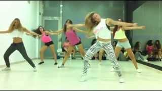 Agachate Danny Romero - Ari Dance Choreography