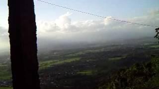 preview picture of video 'Lesehan di Puncak gunung kidul (hargodumilah)'