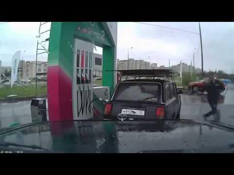 Khi mà dancer đi bán xăng