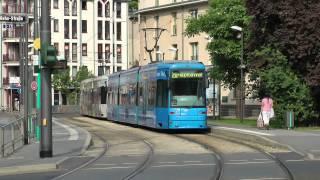 preview picture of video 'Straßenbahn Frankfurt (Main) - Linie 20 mit Doppeltraktionen XXL (2012) (HD)'