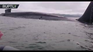 Двое в лодке, не считая подлодки: рыбаки столкнулись с атомной подводной лодкой в Японском море
