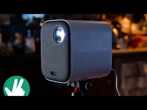 Xiaomi Mi Smart Compact Projector: Long distance viewing!