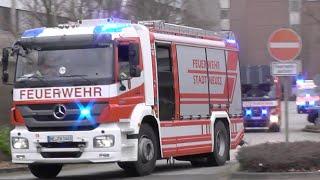 preview picture of video 'Löschzug Feuerwehr Neuss + RTW JUH'