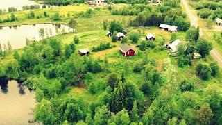 The white house in the moose village Jutis