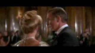 James Bond a Charme bálon