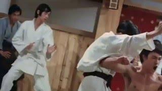 Bruce lee vs impudent Japanese / Брюс Ли против наглых японцев