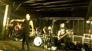 "Falling in Reverse ""The Guillotine"" Live"