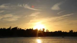 preview picture of video 'Sunset viewed from Vilanculos Beach'