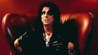 """Alice Cooper - A Paranormal Interview (Part 2) - New album """"Paranormal"""" out now!"""