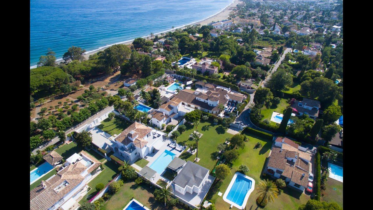 Spectacular contemporary style villa on spacious plot for sale in Paraiso Barronal, Estepona
