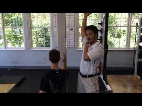 肩・肩甲骨の動きを改善するウォールスライド