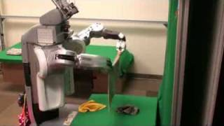 робот в помощь домохозяйке