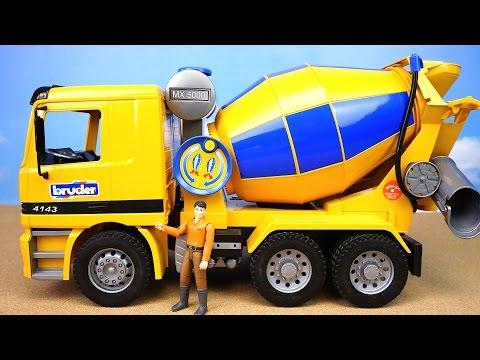 BRUDER. Большая бетономешалка Mercedes-Benz. Игрушечные машинки для детей. Bruder Toys. 01665 видео
