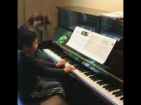David (4 years-old) play Ode to joy